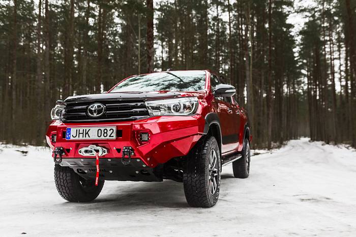 TOYOTA HILUX и RIVAL
